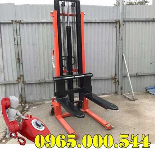 Xe nâng tay cao 1.5 tấn 2m