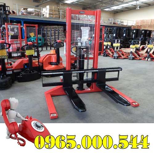 xe nâng tay cao 1.5 tấn chân rộng
